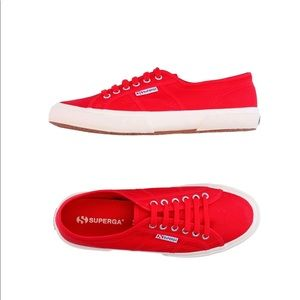 NWOT Classic SUPERGA Red Sneakers (6.5)